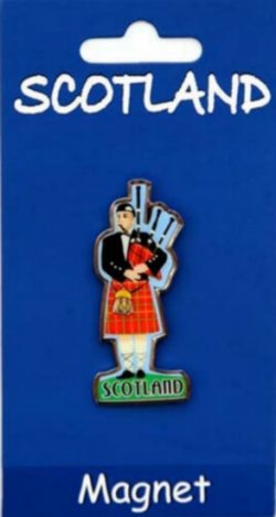 TRADITIONAL PIPER BRASS MAGNET