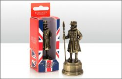 DIE CAST BEEFEATER FIGURE