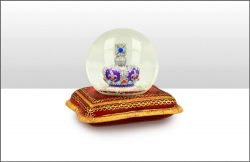Crown on Cushion 45mm Snowglobe