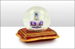 Crown on Cushion 65mm Snowglobe