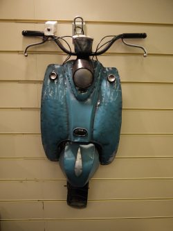 METAL WALL ART SCOOTER